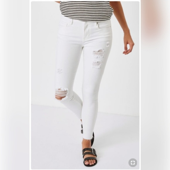 PacSun Denim - Mid Rise White Ripped Skinny Jeans